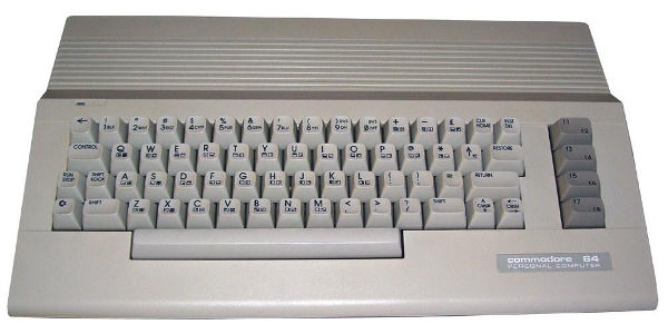 Компьютерная приставка Commodore 64